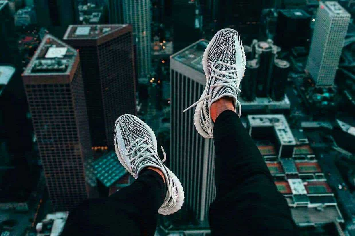 face yeezy boost zebra