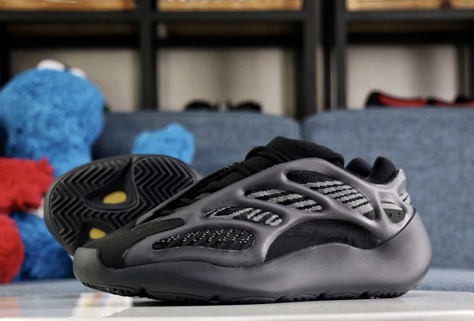 Yeezy Boost 700 V3 Alvah LC Guide