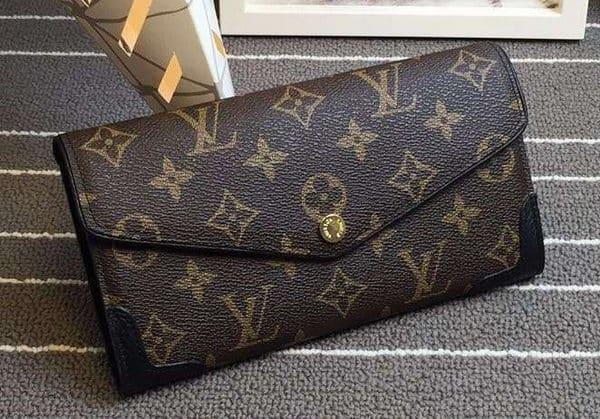 lv wallet real vs fake