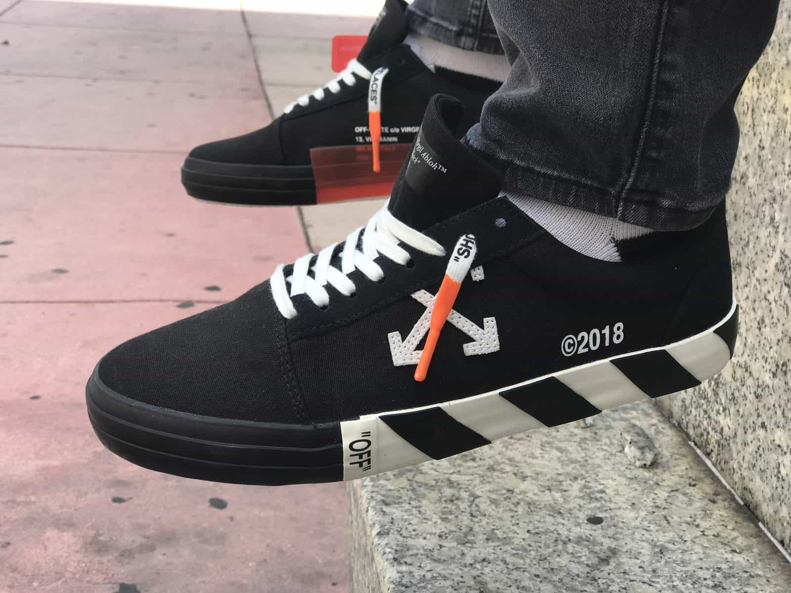 fake vs real off-white vulc low sneakers