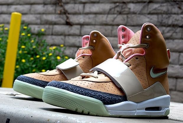 real vs fkaae air yeezy 1